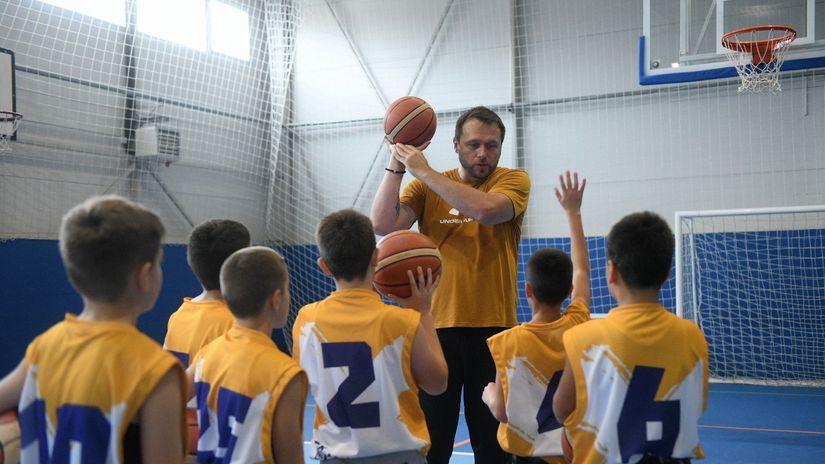 """Otvoreni Mozzart čas košarke – klinci """"ubeđivali"""" Rebraču da ih trenira narednih godinu dana"""