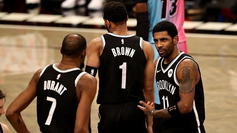 Adebajo izašao na crtu paklenom triju Netsa, Irving presudio Majamiju