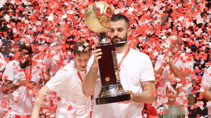 Lazićeva dekada za pamćenje: 17. trofej Zvezdinog kapitena, za petama je Peri Božiću