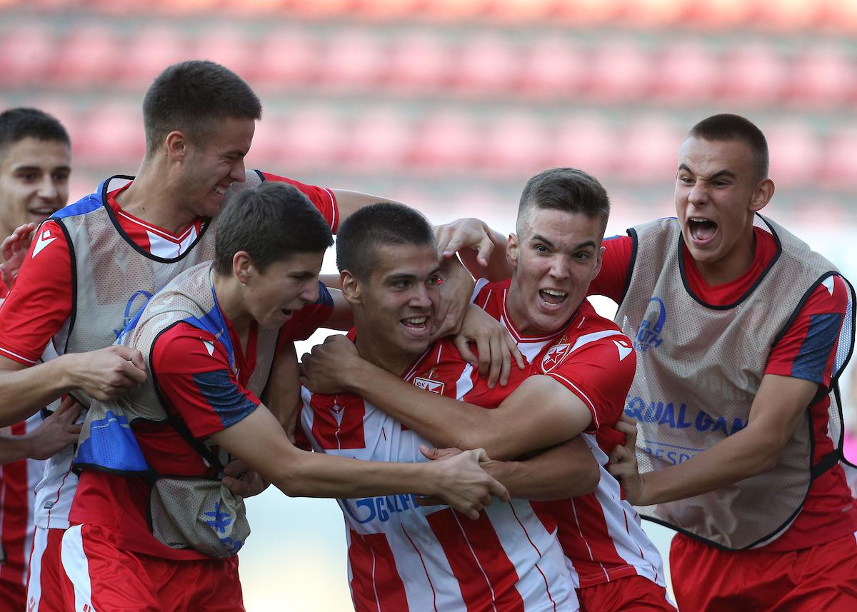 Slavlje prošlosezonskih omladinaca Zvezde nakon pobede protiv Olimpijakosa, Foto: Starsport