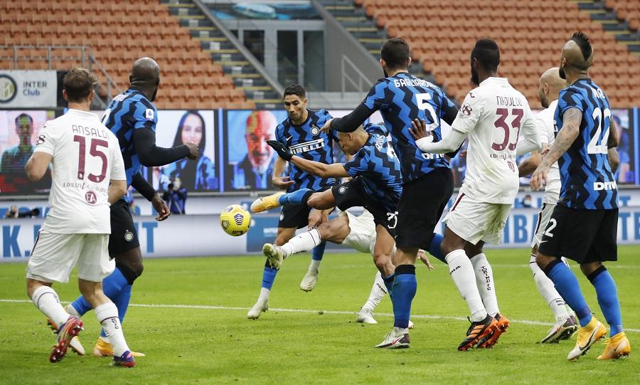 Aleksis Sančez je na prethodnom duelu sa Torinom najavio preokret (© Reuters)
