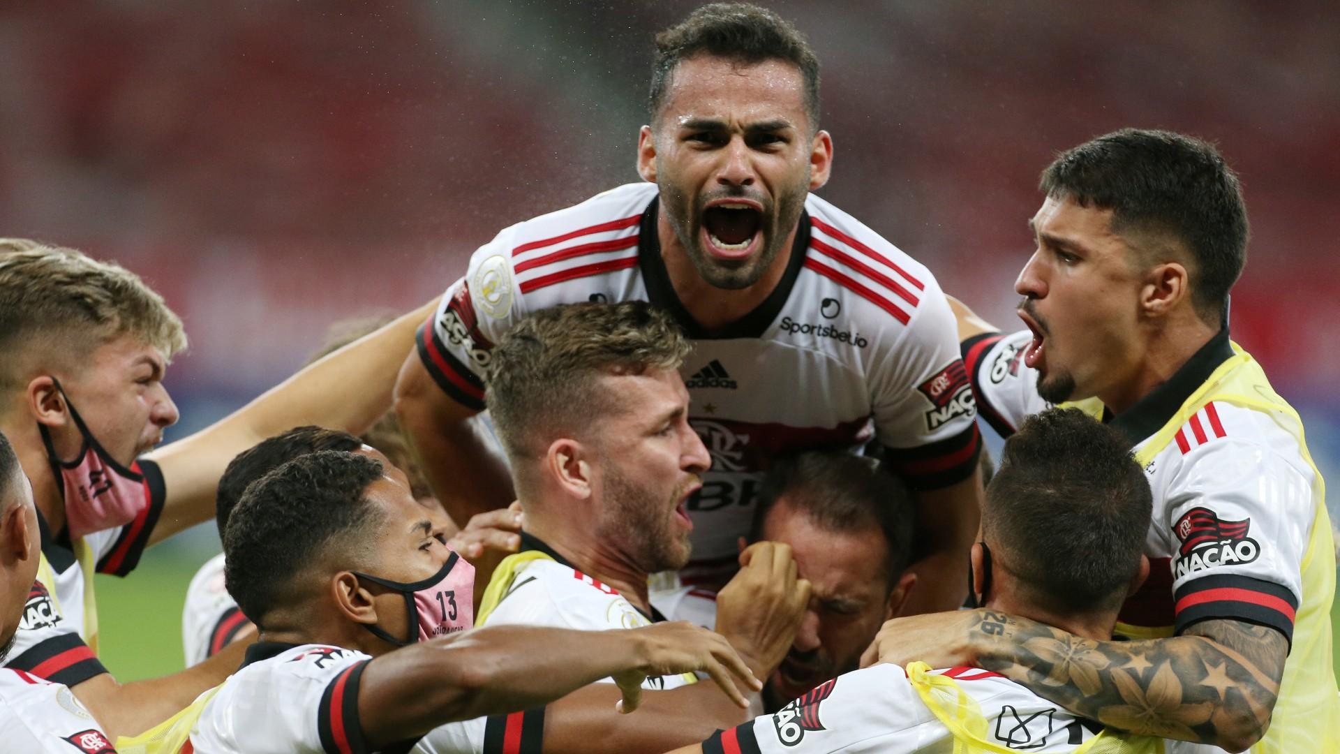 Defanzivci Flamenga častili Internasional s dva gola, ali je Ribeiro u poslednjim trenucima meča doneo bod šampionu